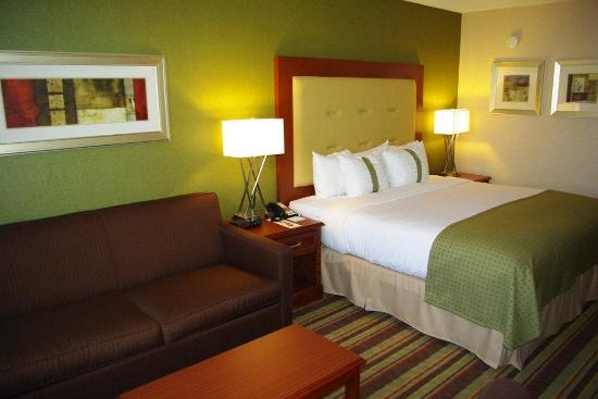 Holiday Inn Buena Park Hotel & Conference  Center: Comfortable Guestrooms