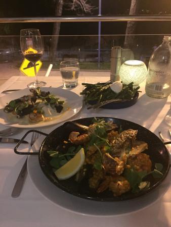 กาเลาดรา, ออสเตรเลีย: Tides Waterfront Dining