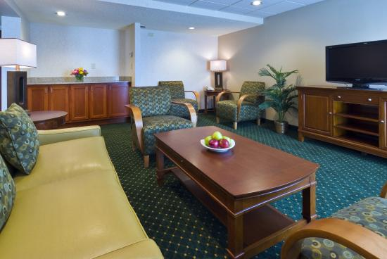 Holiday Inn Hotel & Suites Cincinnati-Eastgate: Baker Hospitality Suite