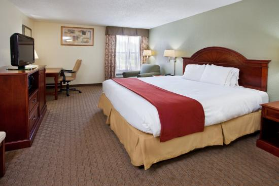Kimball, TN: King Bed Guest Room