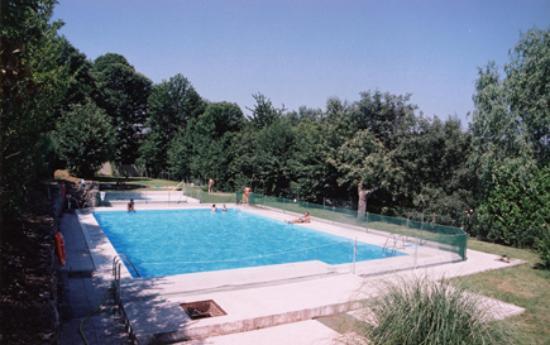 Candelario, Spanien: piscina complejo