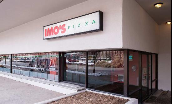 Hilton St. Louis at the Ballpark: Imo's Pizzeria