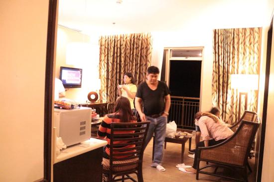 Summit Ridge Tagaytay: The room was nice but the front desk looks a bit old. Anyway, the room are well cleaned and smel