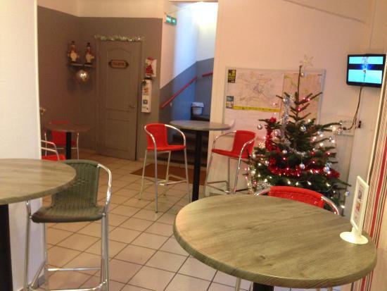 Hotel Au Spatial: espace dejeuner