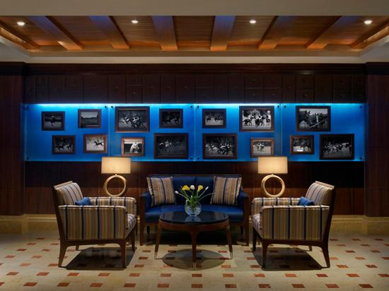 Habtoor Grand Resort, Autograph Collection, A Marriott Luxury & Lifestyle Hotel: Polo Bar