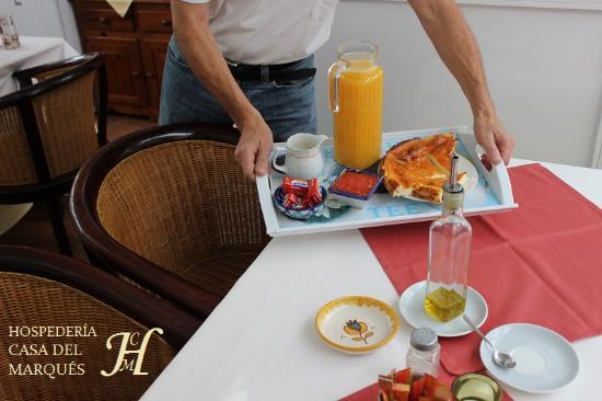 Velez de Benaudalla, Spanien: Desayuno