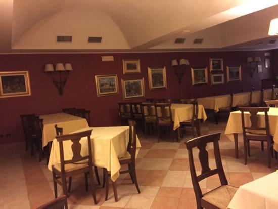Boves, Italië: Foto albergo e stanze