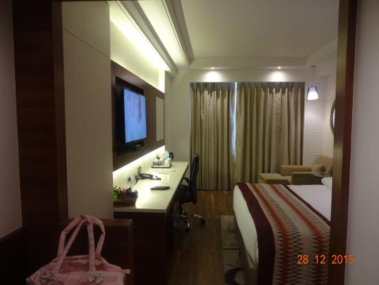 ok bathroom picture of country inn suites by carlson indore rh tripadvisor in