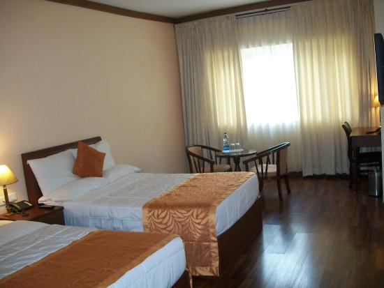 Sriperumbudur, Indien: Two Full size beds