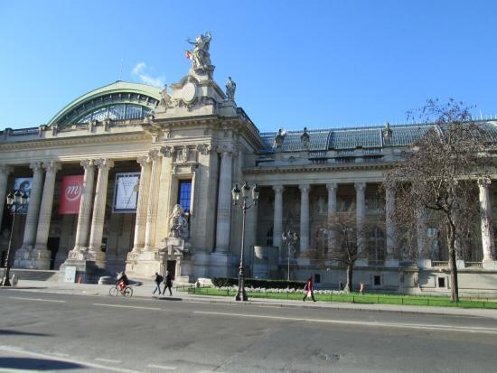 love the stylism picture of grand palais paris. Black Bedroom Furniture Sets. Home Design Ideas