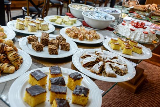 Hotel Continental Canela : Café da manhã