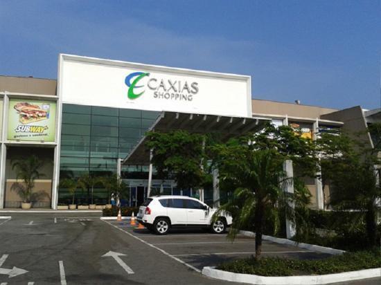 Duque de Caxias, RJ: amo esse shopping tem várias lojas conhecidas e ele é imenso, o estacionamento muito grande.