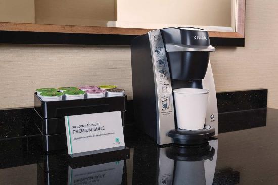 Embassy Suites by Hilton Portland: Keurig Coffee Maker