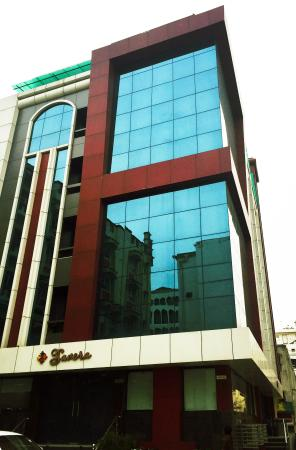 Savera Business Luxury Hotel