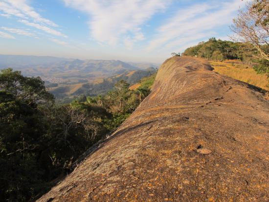 Itapeva, MG: Pedra Chata - mirante natural a 1300m de altitude
