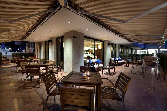 Hilton ParkSA Istanbul: Executive Lounge Terrace