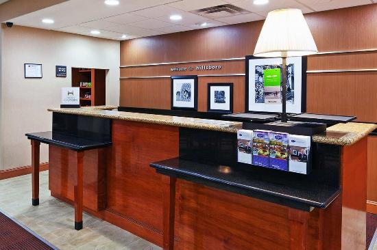 Hillsboro, Техас: Front Desk