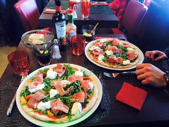 Il Gritti: Pizza burrata supplément jambon de parme