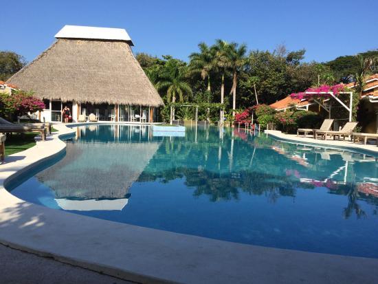 Huacas, Costa Rica: Pool/restaurant.