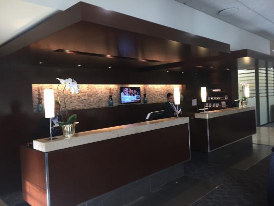 Delta Hotels Calgary Airport In-Terminal: photo0.jpg