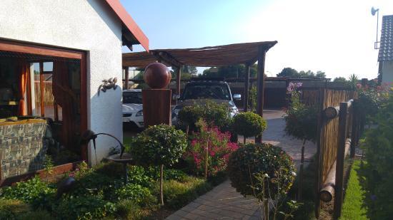 Kempton Park, Sør-Afrika: Outside