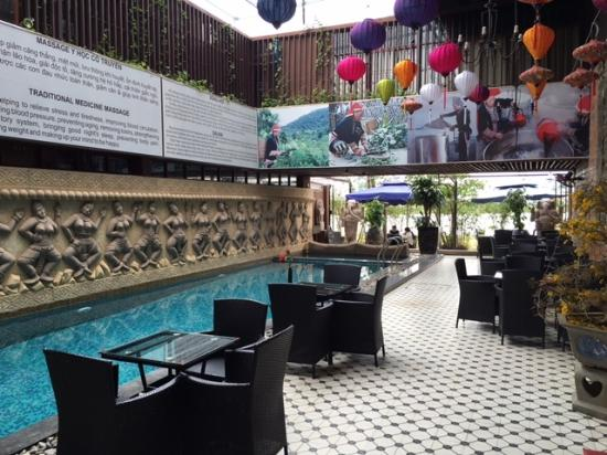 location photo direct link cham massage nang quang province