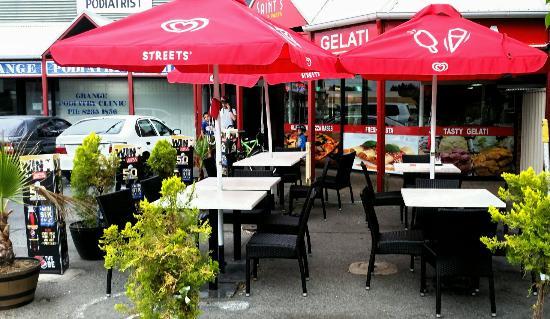 Saints Pizzeria Cafe & Ristorante