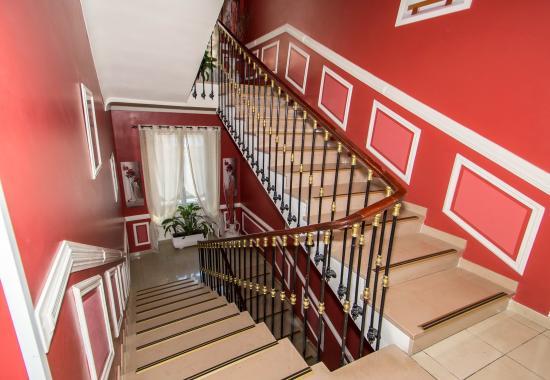 Hotel Parisien Nice : Escalier