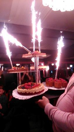 Peronnas, Fransa: Merci encore pour mon anniversaire de mariage qui a été une réussite