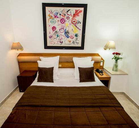 Hotel Parisien Nice : Chambre Double