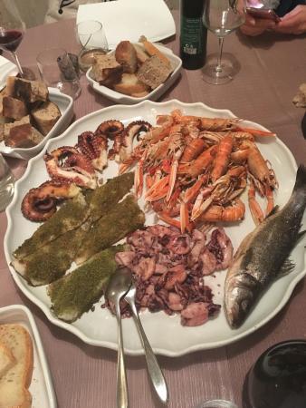 Gavorrano, Włochy: Grigliata mista di pesce!!!