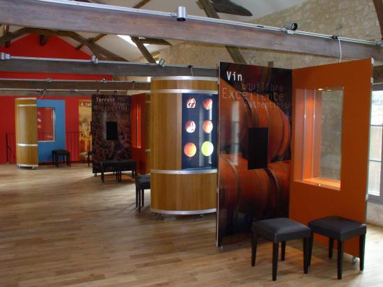 A l'étage, un espace dédié à une exposition interactive sur le vin de Monbazillac et son vignobl