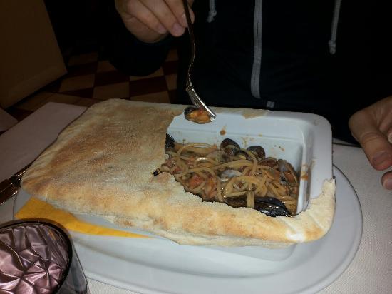 Gambero D'oro: Spaghetti al cartoccio di pane