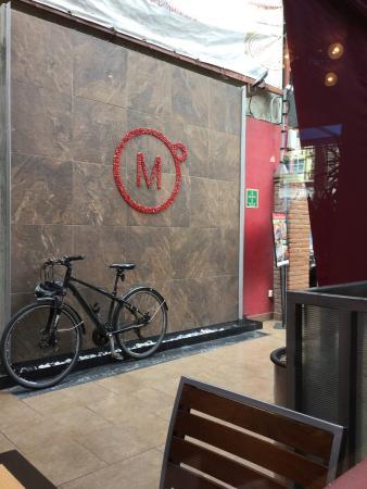Momentto Cafe