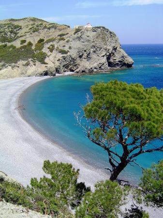 παραλία του Αγίου Μηνά