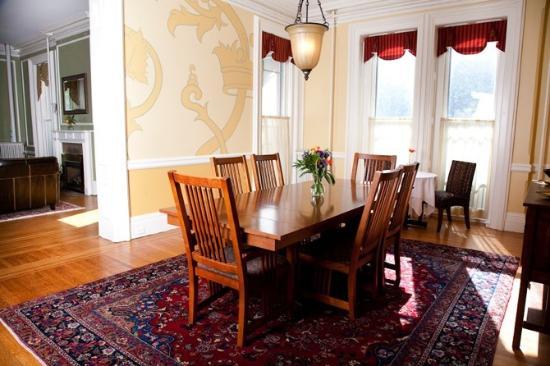 Geneva, estado de Nueva York: Enjoy breakfast in the dining room