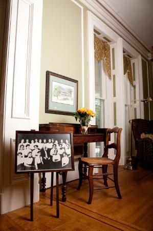Geneva, estado de Nueva York: The small photo is William Smith College charter class 1908