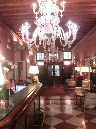 Duodo Palace Hotel: CAM00857_large.jpg