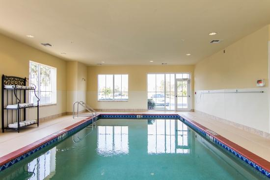Comfort Inn & Suites Fort Myers: Pool