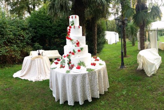 Varallo Pombia, Italien: taglio della torta