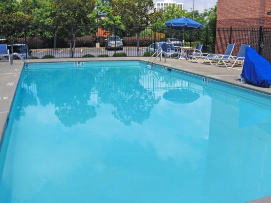 Extended Stay America - Atlanta - Vinings: Swimming Pool