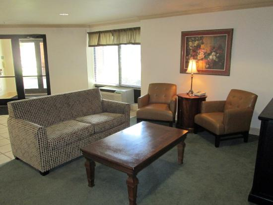 Extended Stay America - Dallas - Farmers Branch: Lobby and Guest Check-in