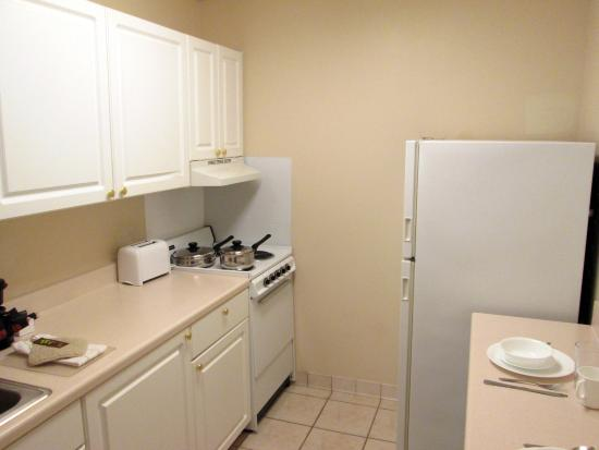 Farmers Branch, TX : Fully-Equipped Kitchens