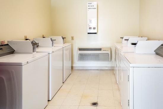 Carrollton, VA: Laundry