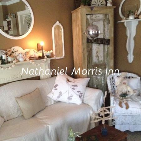 Manasquan, NJ: Guest Living Room