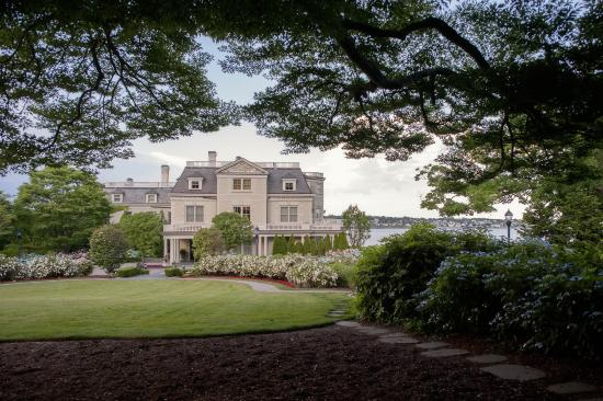 The Chanler at Cliff Walk: Tne Chanler at Cliff Walk