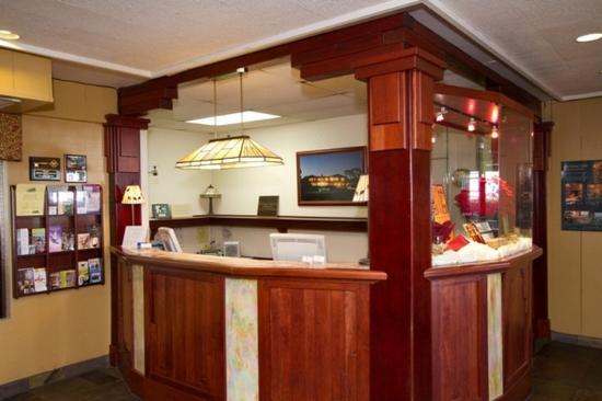 Lobby Picture Of Wyndham Garden Ventura Pierpont Inn