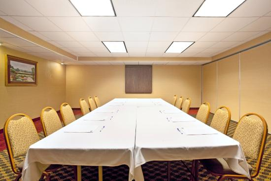 Wauwatosa, WI : Meeting Room Conference Table Set