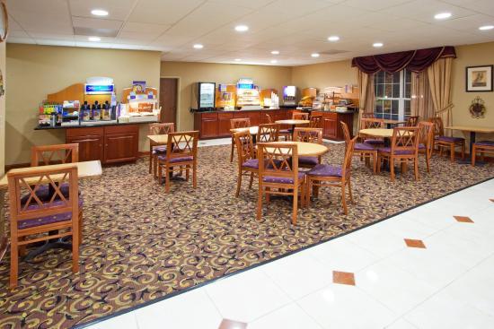 Holiday Inn Express Prince Frederick照片