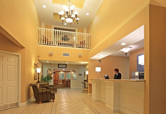 Magnolia, AR: Hotel Lobby